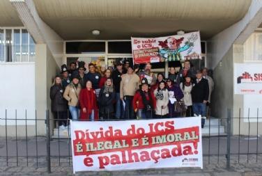 Municipais protestam contra dívida de Fruet com o ICS