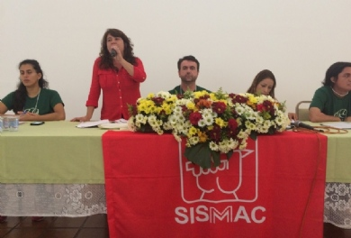 XI Congresso come�a com mesa sobre conjuntura e movimento sindical