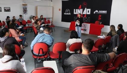 CR debate mobilização pela data-base e marca ato na Ópera de Arame